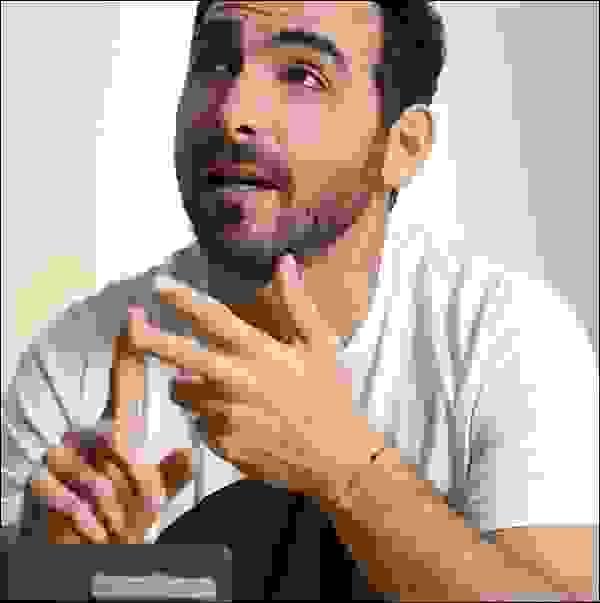 ماتياس ريكيا، مؤسِّس شركة (IguanaFix)