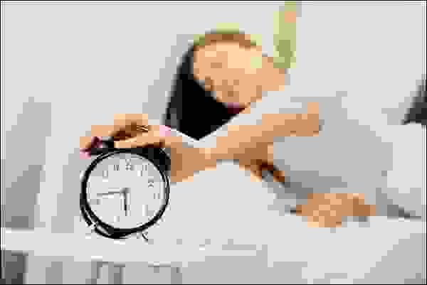 التخلِّي عن النوم من أجل ممارسة التمرينات الرياضية صباحاً