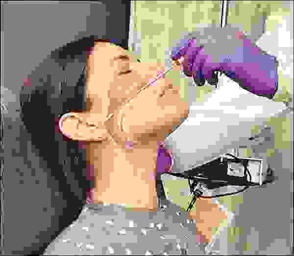 مسحة أنفية للكشف عن فيروس كورونا