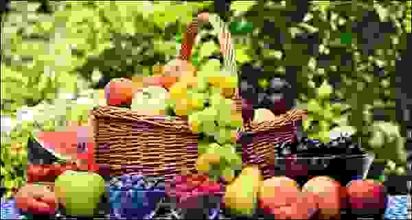 تناوَل الفواكه الصيفية بكمياتٍ مُحدَّدة