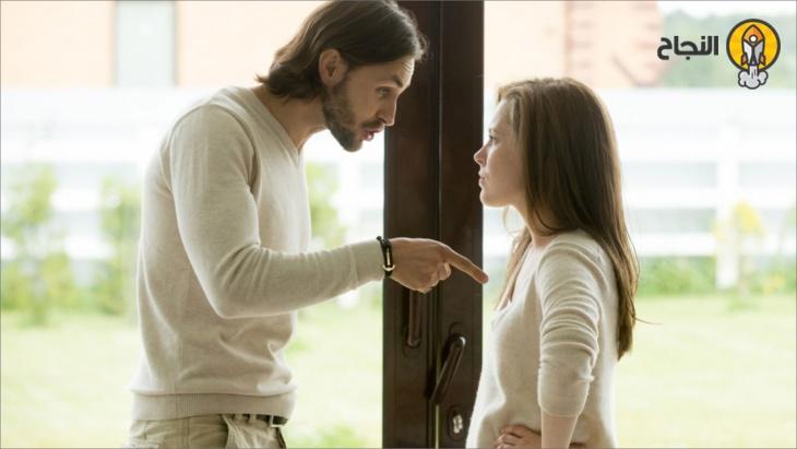 صفات الزوج النرجسي وكيفية التعامل معه