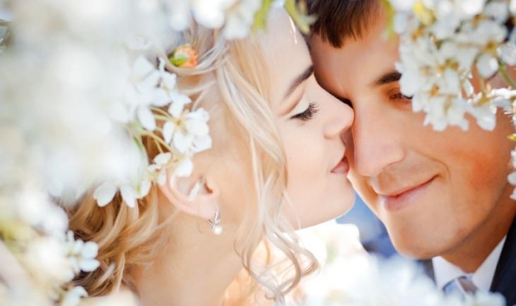كيف يغذي الحب العلاقة الزوجية؟