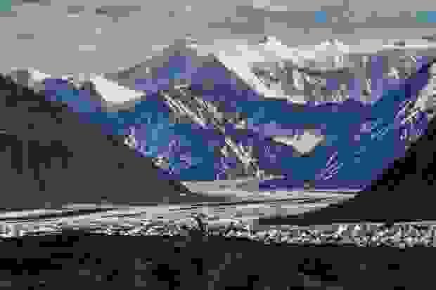نهر ماتانوسكا الجليدي في ألاسكا في الولايات المتحدة الأمريكية