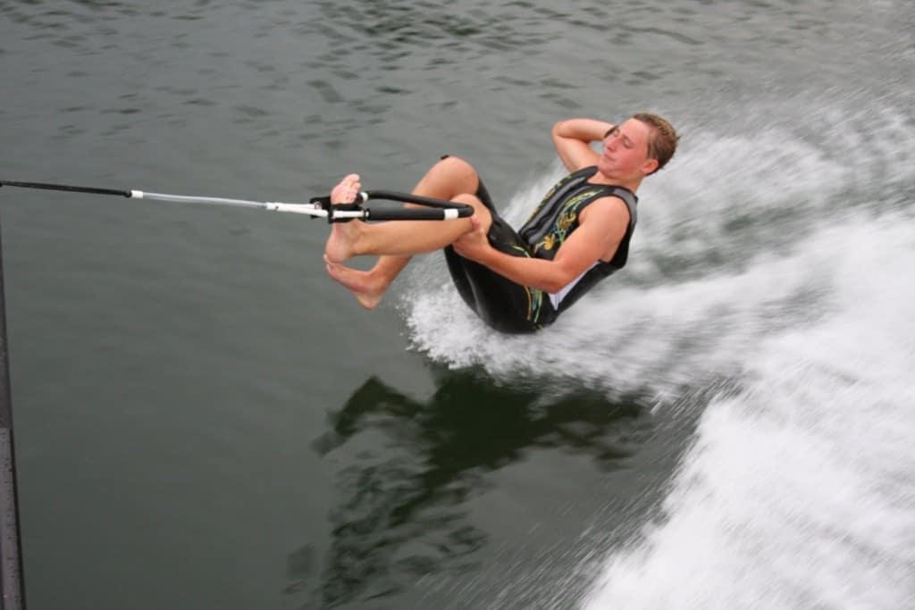 رياضة التزلّج حافي القدمين