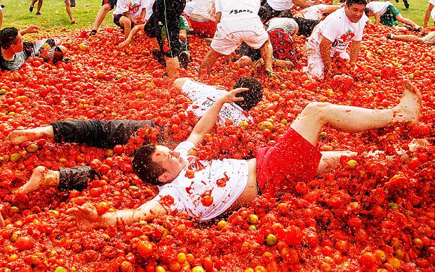 مهرجان توماتنيا في إسبانيا